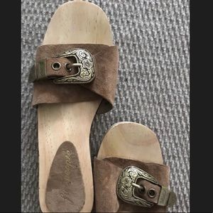 Free The People Westtown Tan Suede Clog